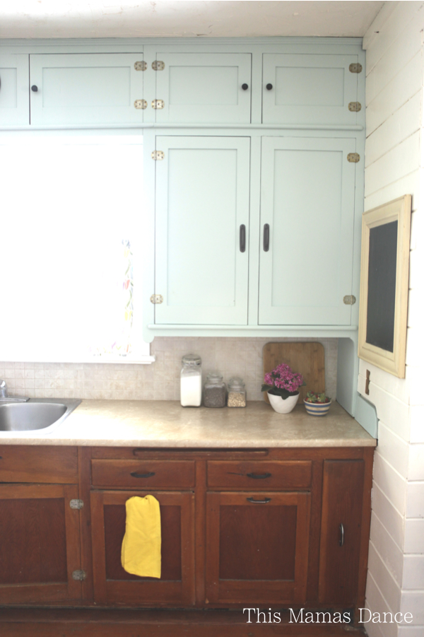 painted farmhouse kitchen2