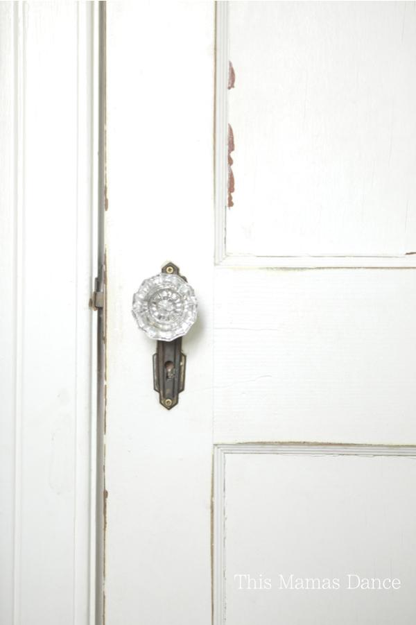 chippy door glass knob