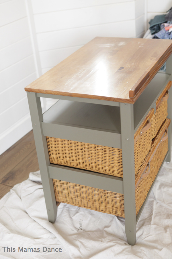 side angle basket table green
