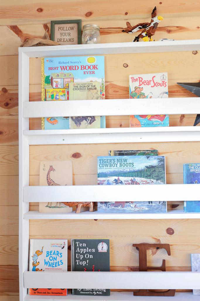 Reading Corner, Desk, Bookshelf, Planked Walls| Mamas Dance-2