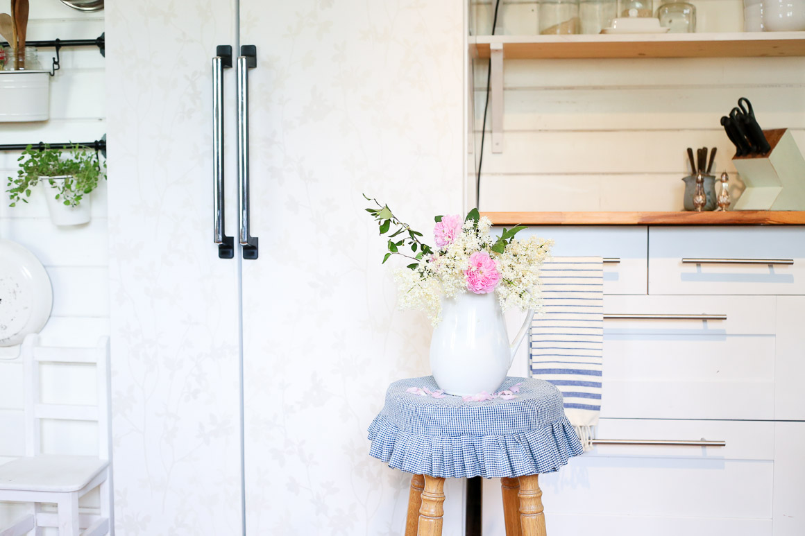 How to Wall Paper A Fridge| This Mamas Dance-1