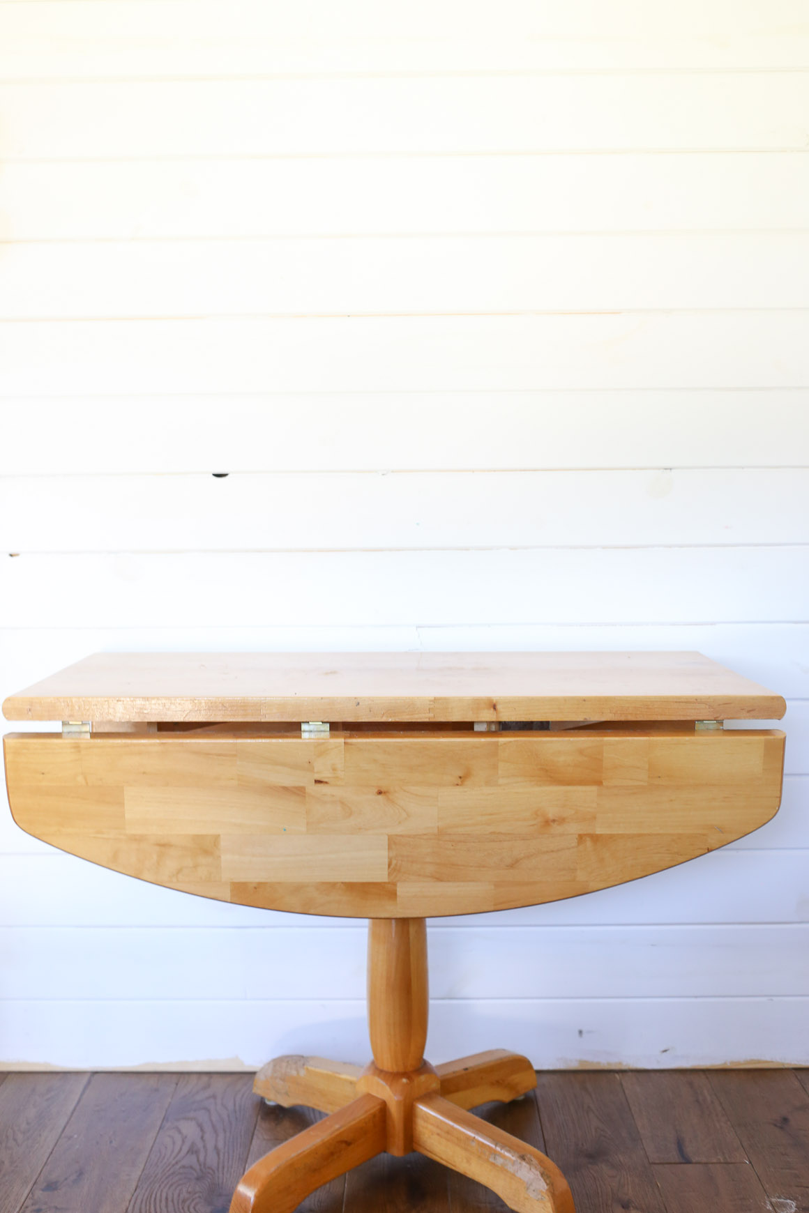 Pine Pedestal Table before |This Mamas Dance-2