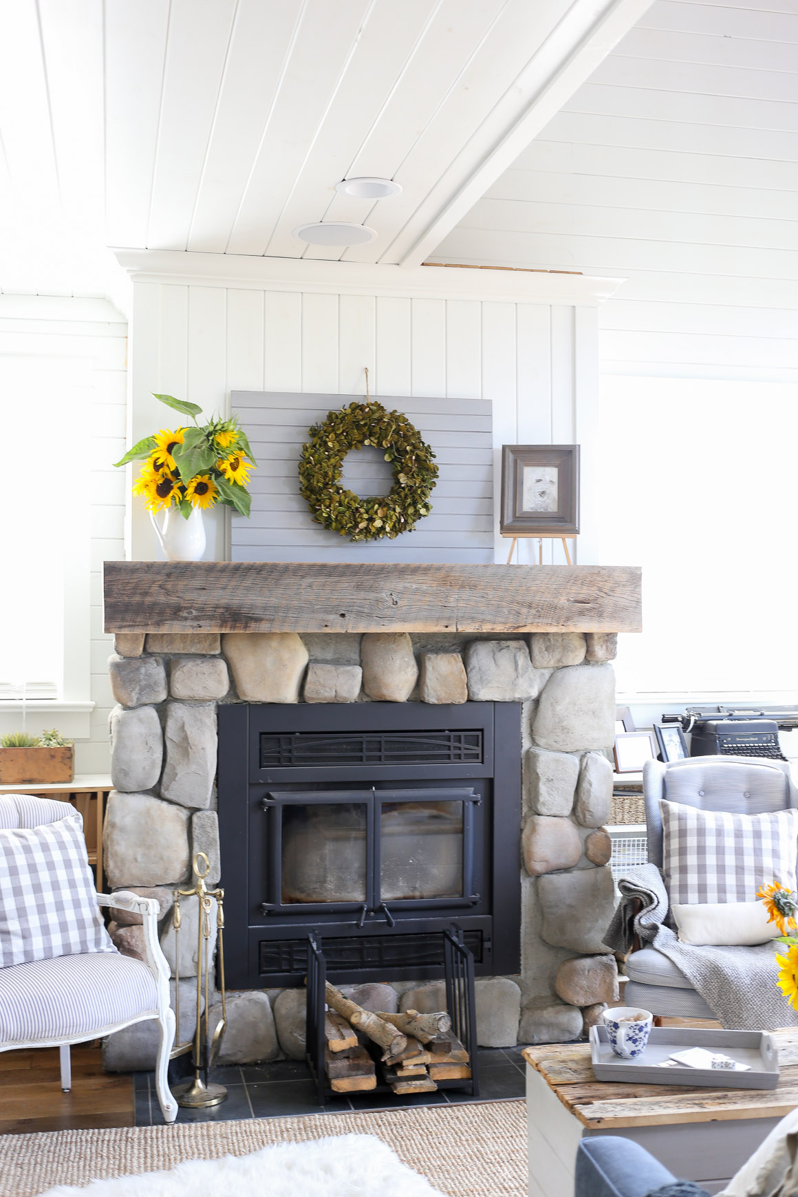 farmhouse-mantel-decor-sunflowers-and-a-boxwood-wreath-2