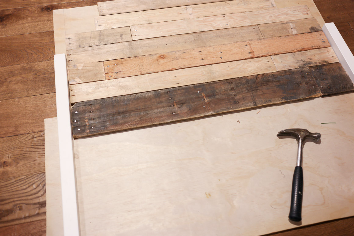how-to-build-a-pallet-headboard-via-mamas-dance-11