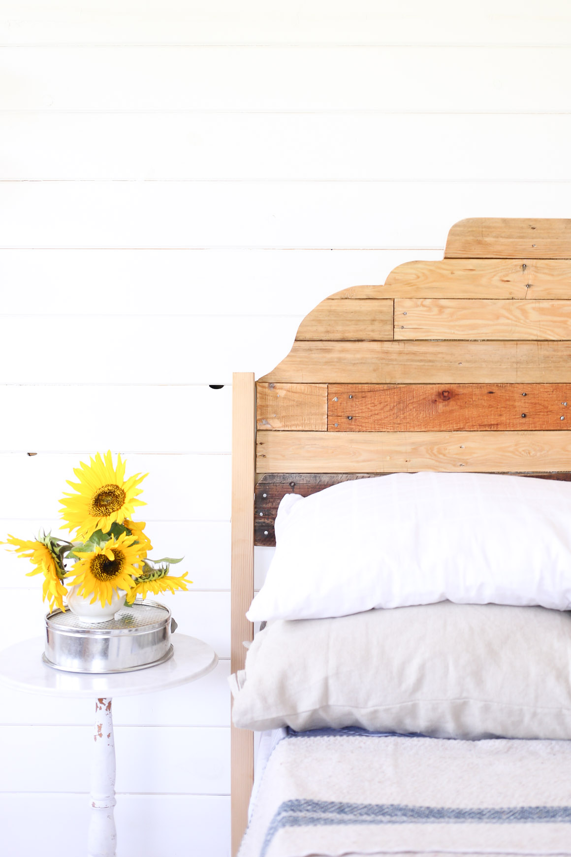DIY Scallop Pallet Headboard, Rustic Project via Ashlea of This Mamas Dance