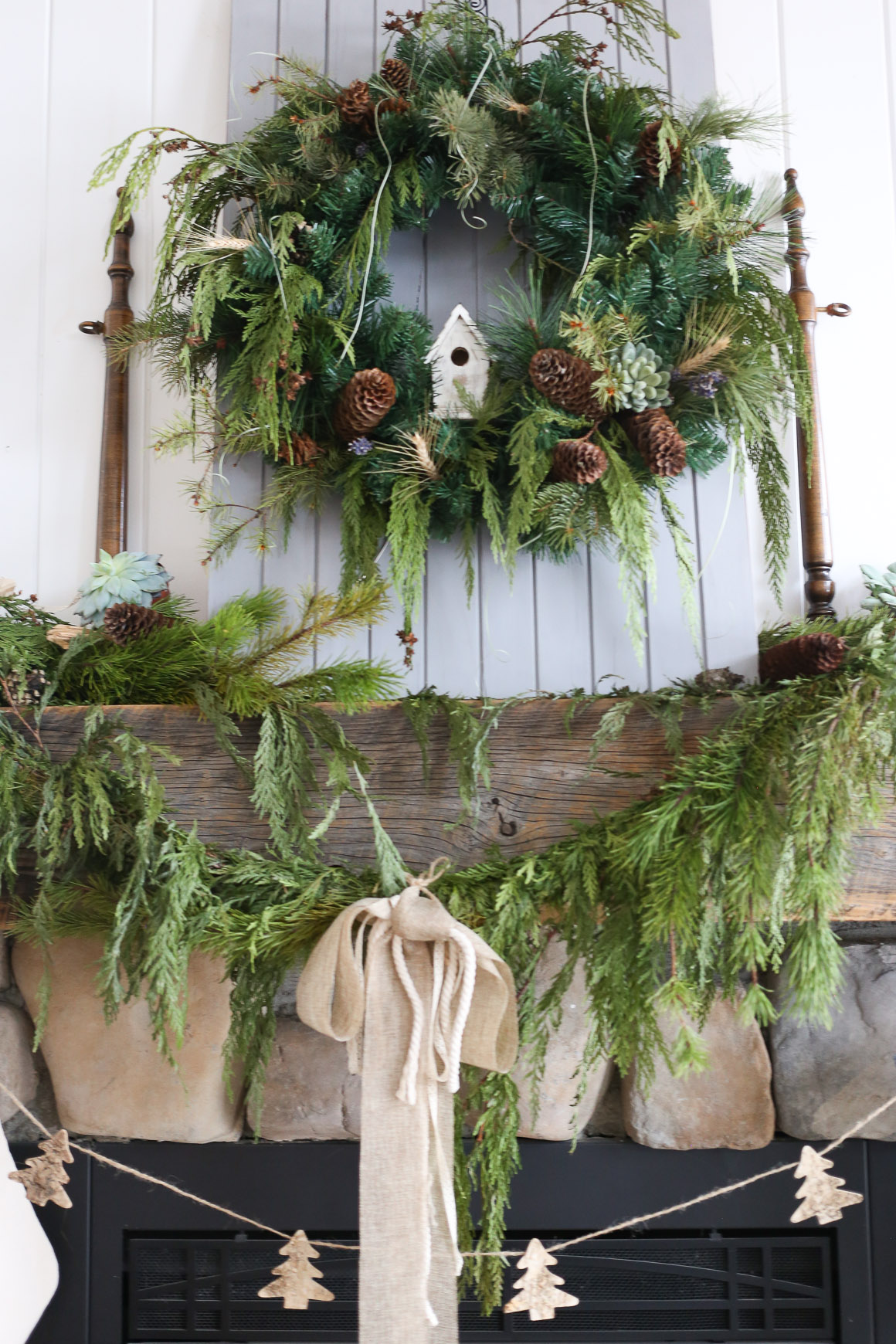 Classic Christmas Mantel | via Ashlea of This Mamas Dance