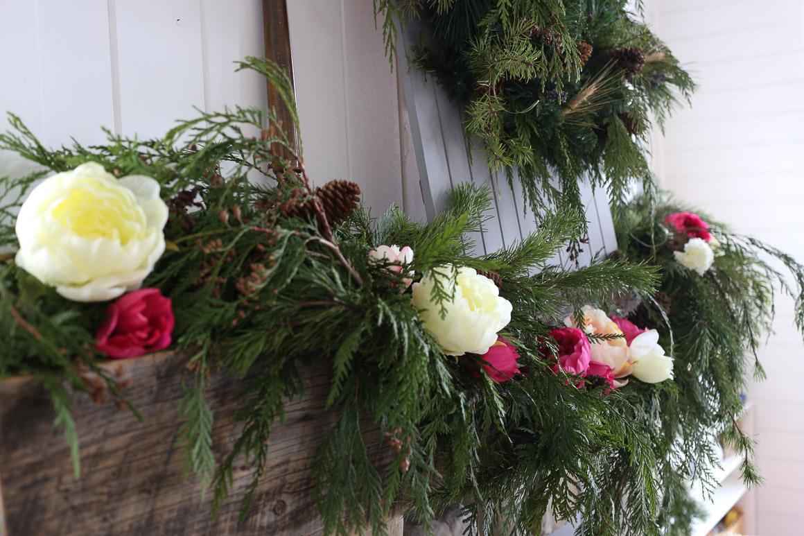 Rustic Glam Christmas Mantel | via Ashlea of This Mamas Dance