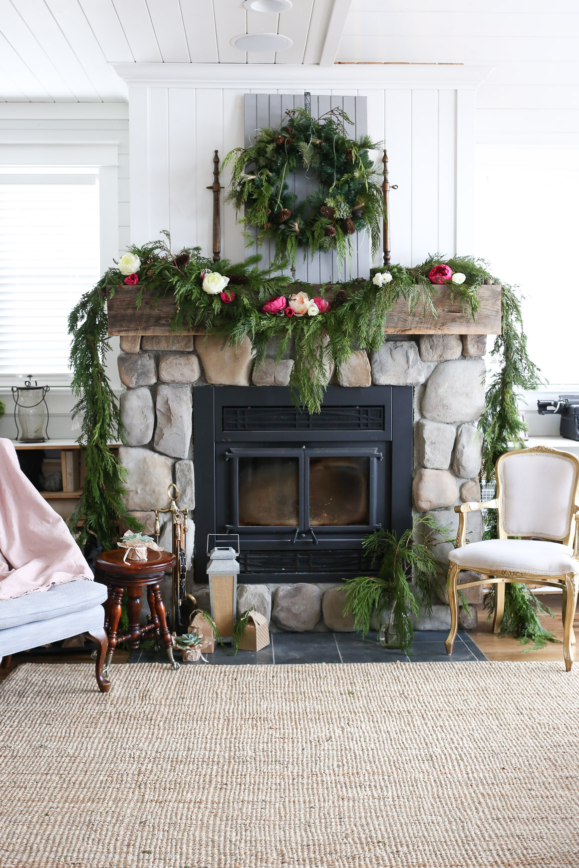 classic-christmas-mantle-this-mamas-dance-7