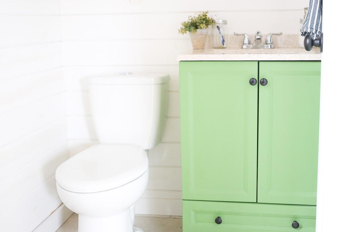 Seeing Green: Painted Bathroom Vanity - This Mamas Dance