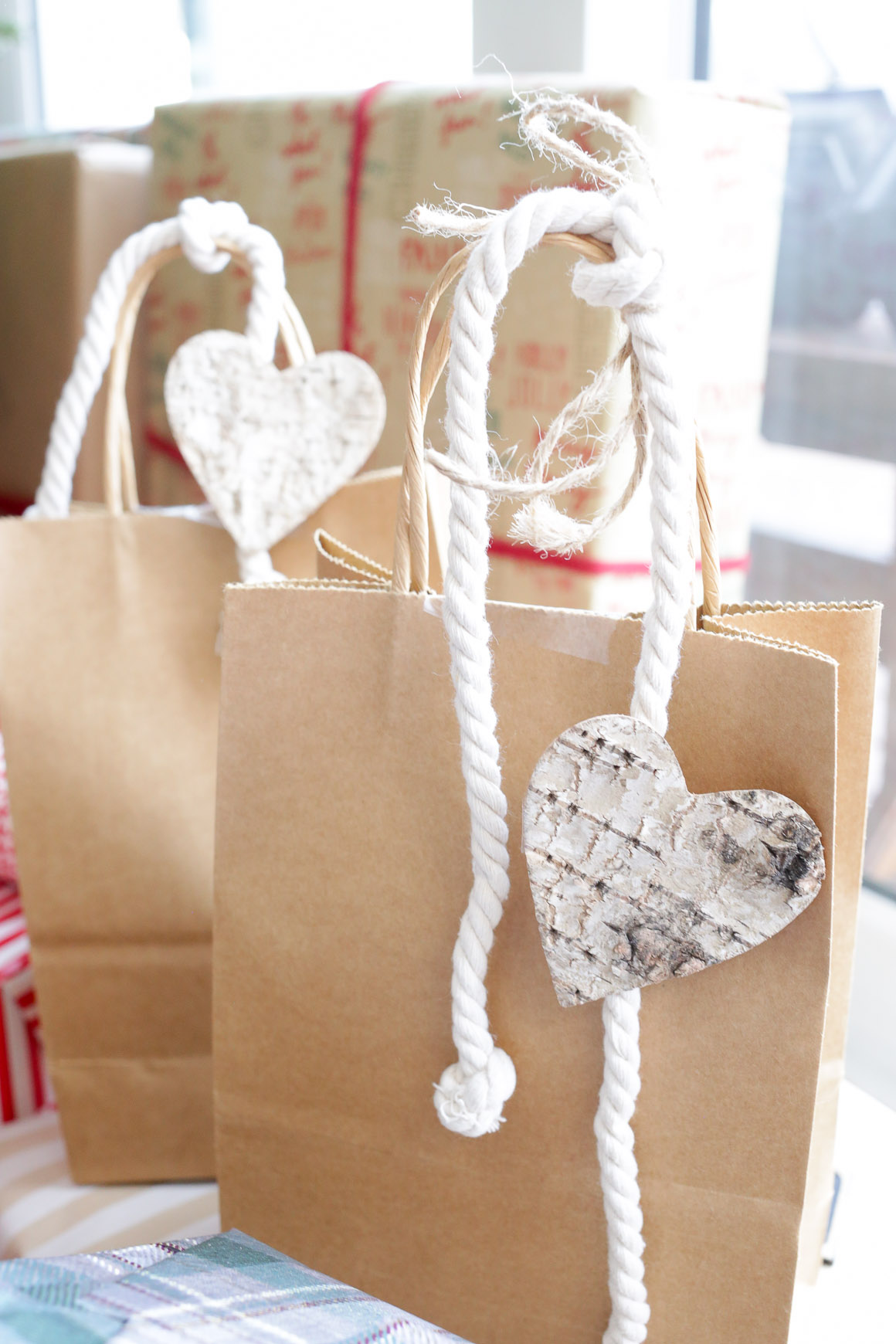 Gift Wrap Made Simple with a few natural elements | This Mamas Dance