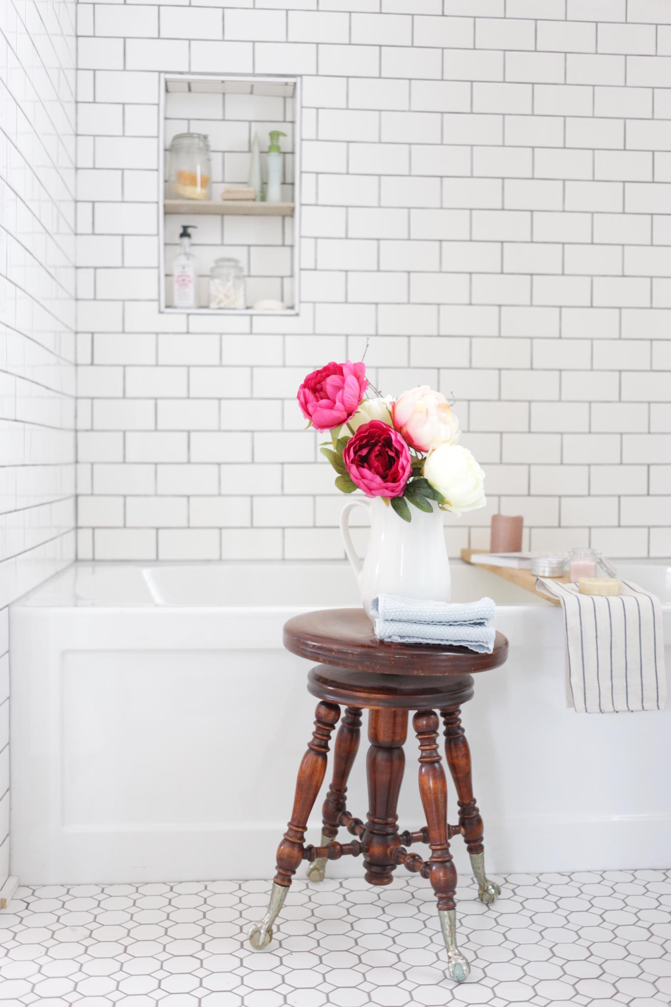 Hints of Pink and Blue add soft touches to this cottage style family bathroom | via Ashlea of This Mamas Dance